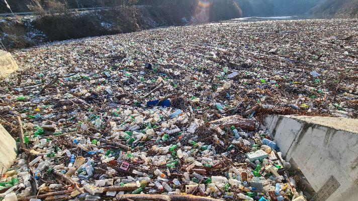 Кабинетът отпусна 220 хил. лева за почистване на река Искър