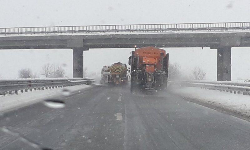 Пътищата в областта са проходими при зимни условия