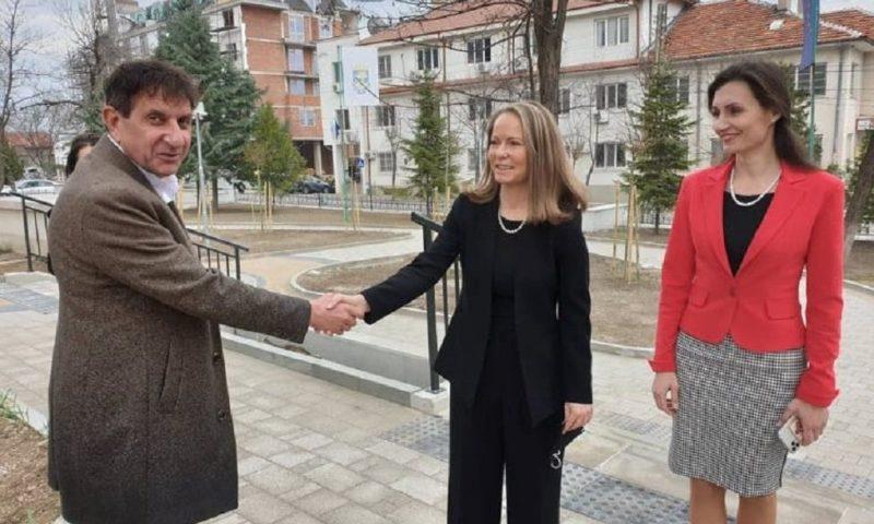 Водачът на листата на коалиция ГЕР-СДС за област Пловдив от гражданската квота Дани Каназирева и кандидати за народни представители посетиха община Куклен