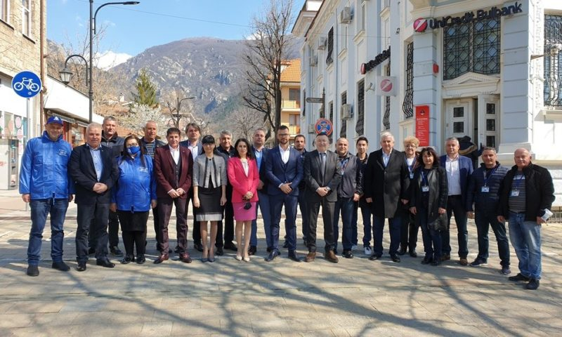 Кандидатите за народни представители от листата на ГЕРБ – СДС за Пловдив област се срещнаха с кметове на села в Карловско