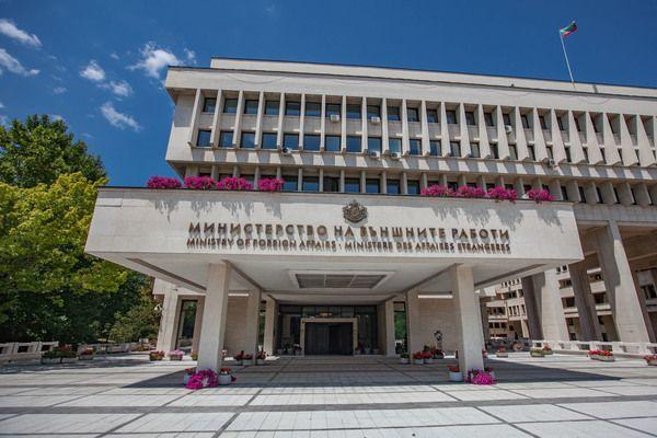 1700 от 2507 членове на СИК в чужбина са от българските