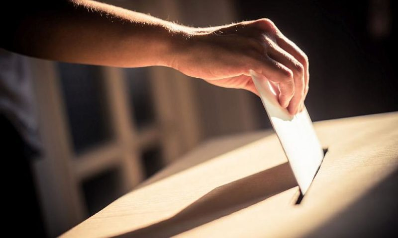 Дистанция и дезинфекция – как е осигурено безопасното гласуване в неделя?