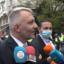 """Екшън преди консултациите за ЦИК, протестиращи посрещнаха Хаджигенов с викове """"предател"""" и """"мутро"""""""