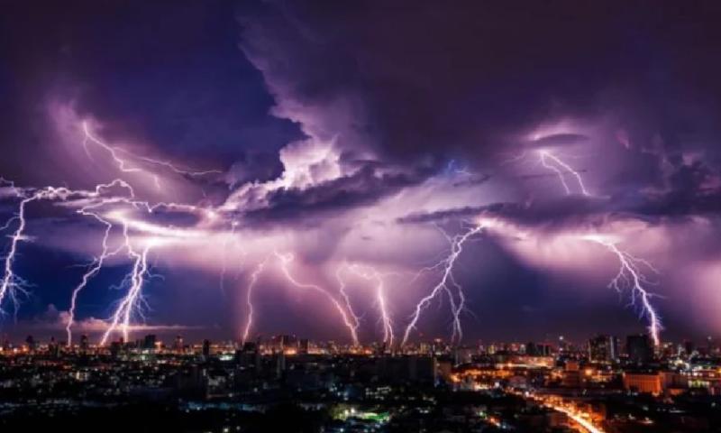 Синоптик разкри кога ни връхлитат майски бури и градушки