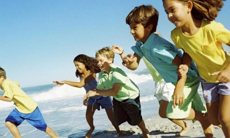 Близо 30 000 ученици отиват на безплатна почивка