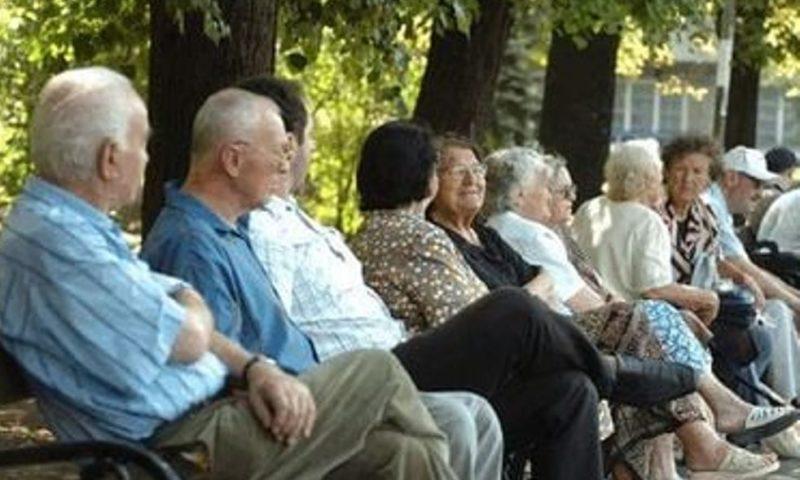 Стотици хиляди българи остават без по-високи пенсии от 1 юли