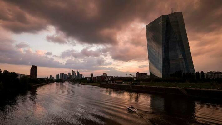 ЕЦБ повиши инфлационната прогноза, но запази стимулите